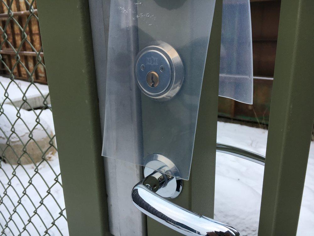 ridåplast för lås