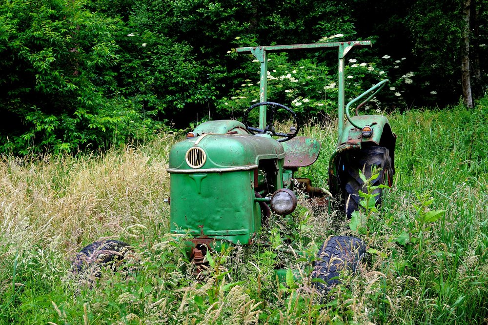 tractor-816655_1920.jpg