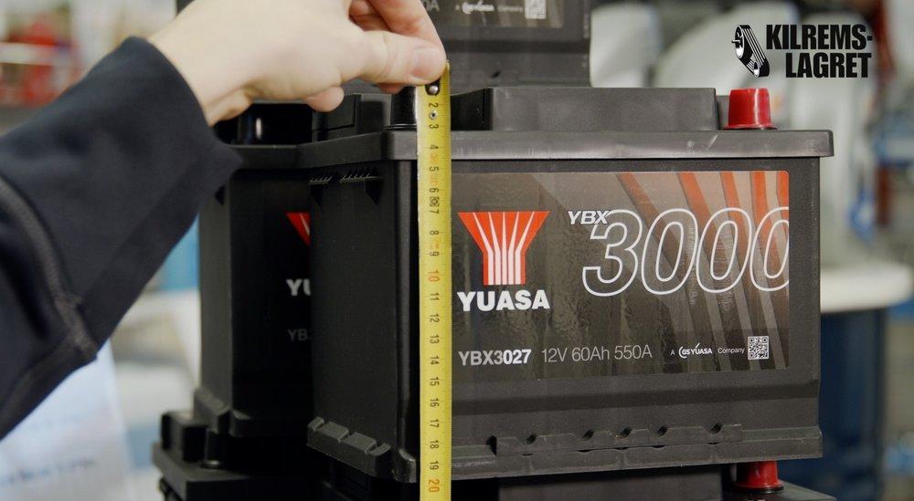 Batteriets höjd (mät ända upp till pooler eller andra uppstickande delar)