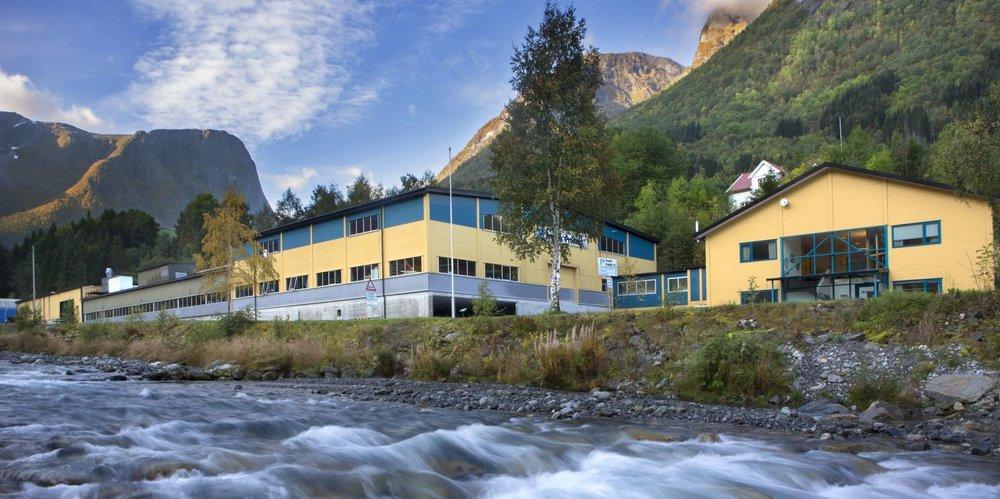 Fresvik Produkt starta i 1980 og har i dag 40 tilsette. Foto: Trygve Indrelid