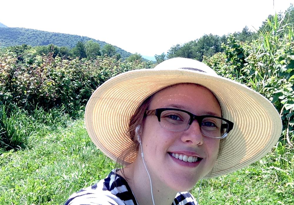Michelle_Vermontbluberrypicking