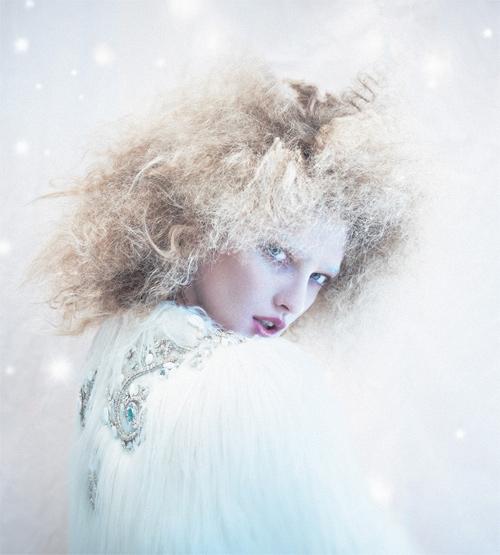 Courtesy of  Fashion Photography Blog .