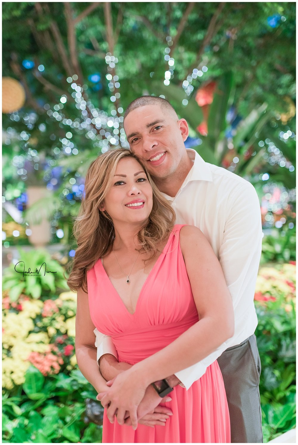 Couples photo session at the Wynn Las Vegas.