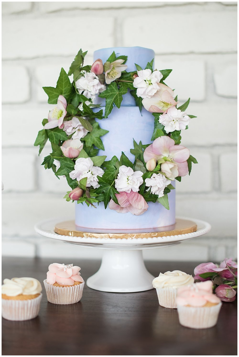 Wedding cake by Sift Bakehouse AZ, photographed at Gather Estate in Mesa, Arizona.