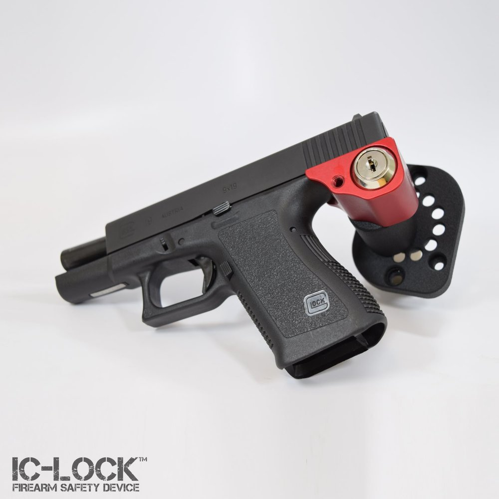 Glock 19 with Optional Mount Up! Adapter