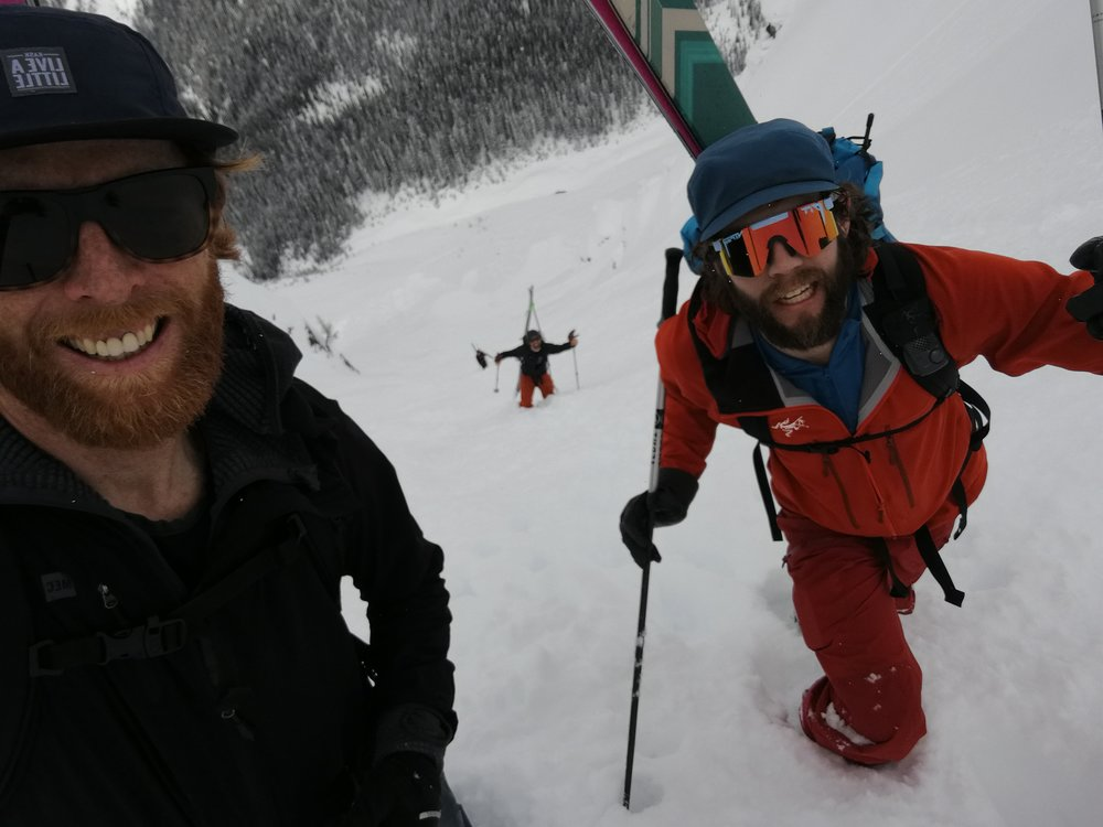 Hoji, Hjertaas and crew bootpacking Trundle Ridge.