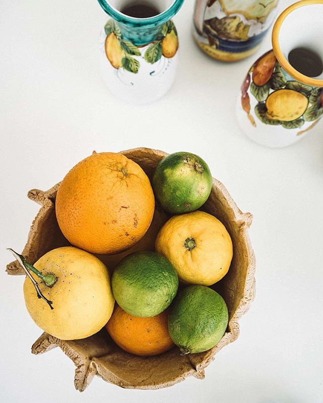 Two of the Isle of Capri's claims to fame: abundant citrus and gorgeous handmade pottery. | Capri, Italy | #theluxebook
