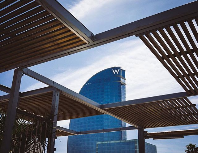 We can't get enough of the striking lines of the W Hotel, Barcelona. | #theluxebook