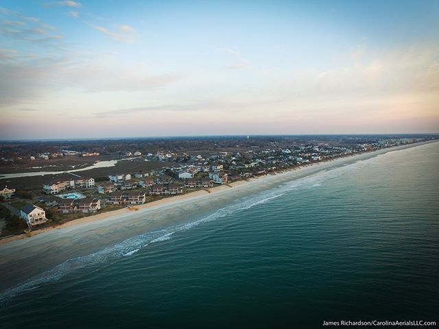 #Droneview: Early morning light over #Litchfield Beach, located on the #SouthCarolina coast. #drone #dronelife #dronestagram #coastalSC #coastalliving #dronetravels #grandstrand #pawleysisland #discoverSC #InletPointCondos