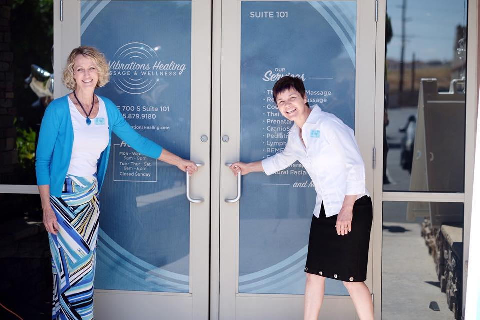 karey and nancy front doors - ken nelson.jpg