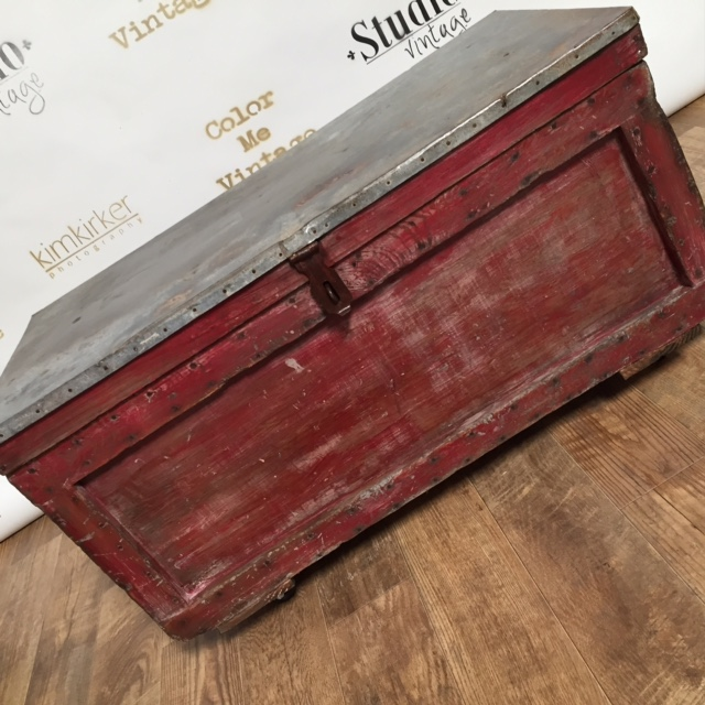This amazing chest was found in an apartment dumpster... it looked gray when I found it... I put some CeCe Caldwell's Endurance on it and the dusty gray paint turned red!!!! Wow!