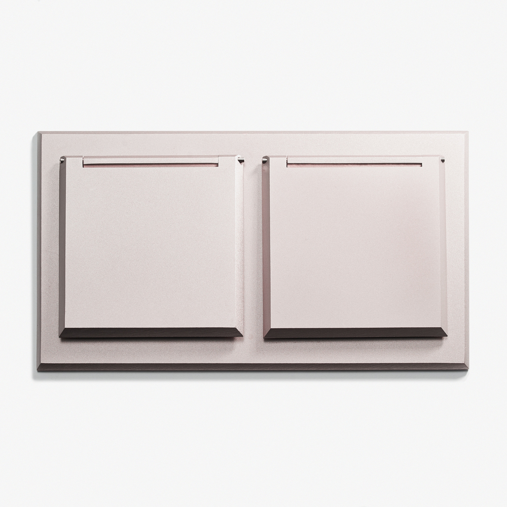 """XL Duplex Outlet - Covers<a href=""""/area-of-your-site"""">→</a><strong>Microbillé Nickel</strong>"""
