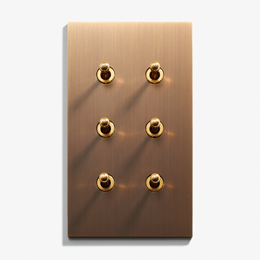 "6 INV - Hidden Screws - Straight Edge<a href=""/82-x-144-6-inv-hidden-screws-straight-edge-bronze-medaille-fonc""></a><strong>Bronze Médaille Foncé</strong>"