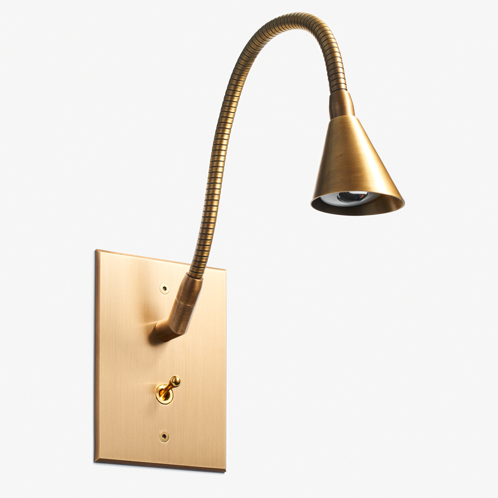 "Tulipe Reading Lamp - Beveled Cone<a href=""/82-x-117-tulipe-reading-lamp-beveled-cone-bronze-medaille-clair-vernis-mat""></a><strong>Bronze Médaille Clair Vernis Mat</strong>"