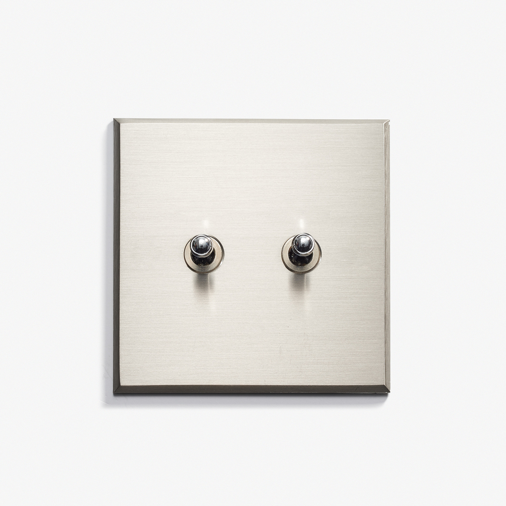 LVL-USA - 82 x 82 - 2 INV - Hidden Screws - Nickel Brossé