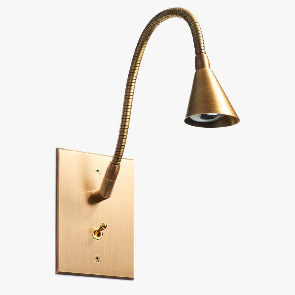 82 x 117 - Tulipe Reading Lamp - Beveled Cone - Bronze Médaille Clair Vernis Mat