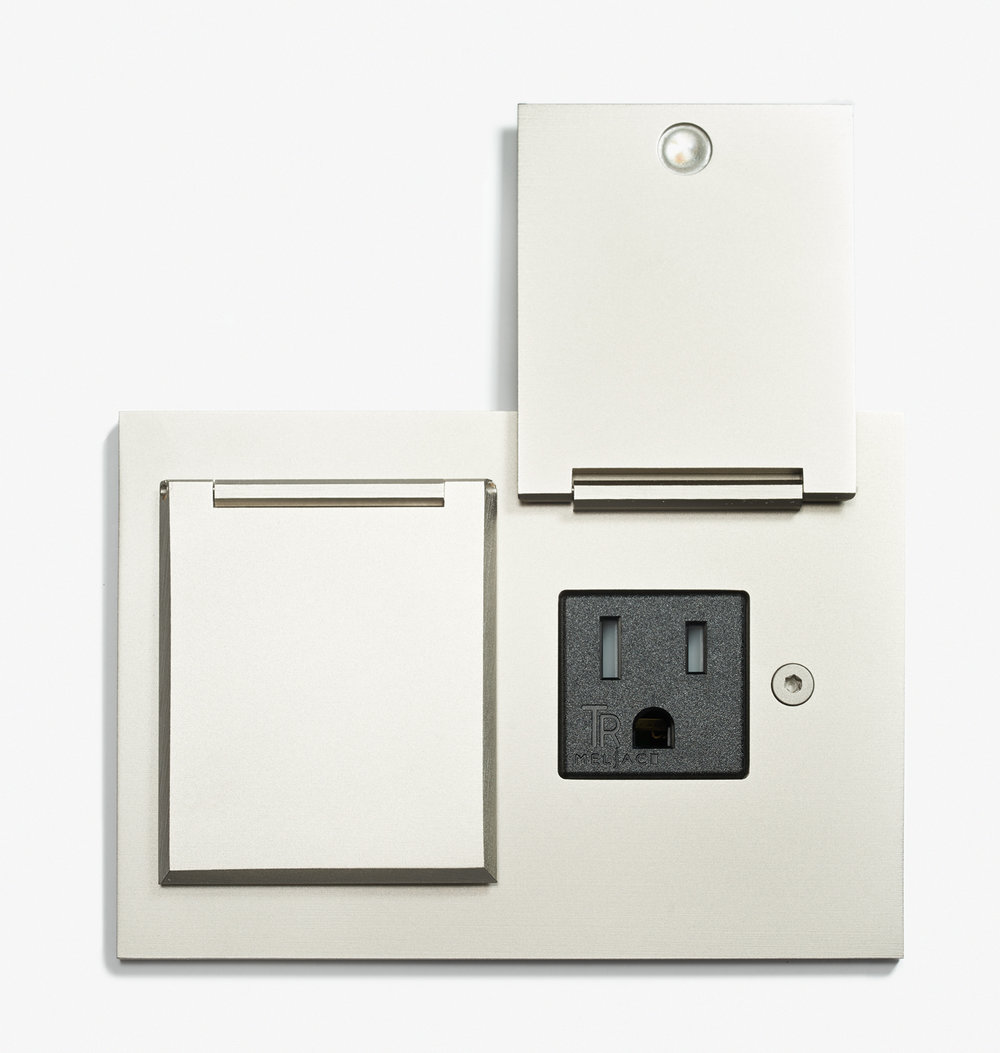 LVL-USA - 117 x 82 - Double Outlet - Covers - Straight Edge - Microbillé Nickel