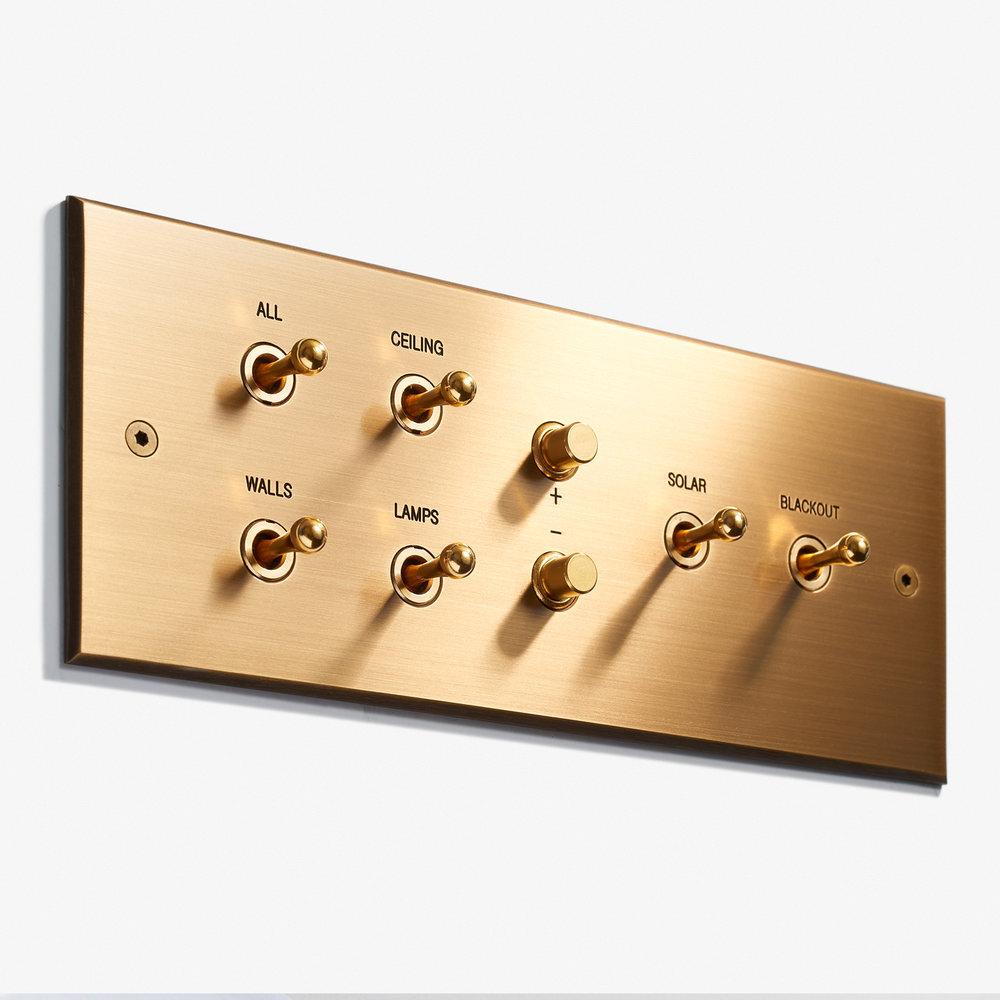 LVL-USA - 207 x 82 - 4 INV + 2 BP + 2 INV - Engraved - Visible Screws - Bronze Médaille Clair