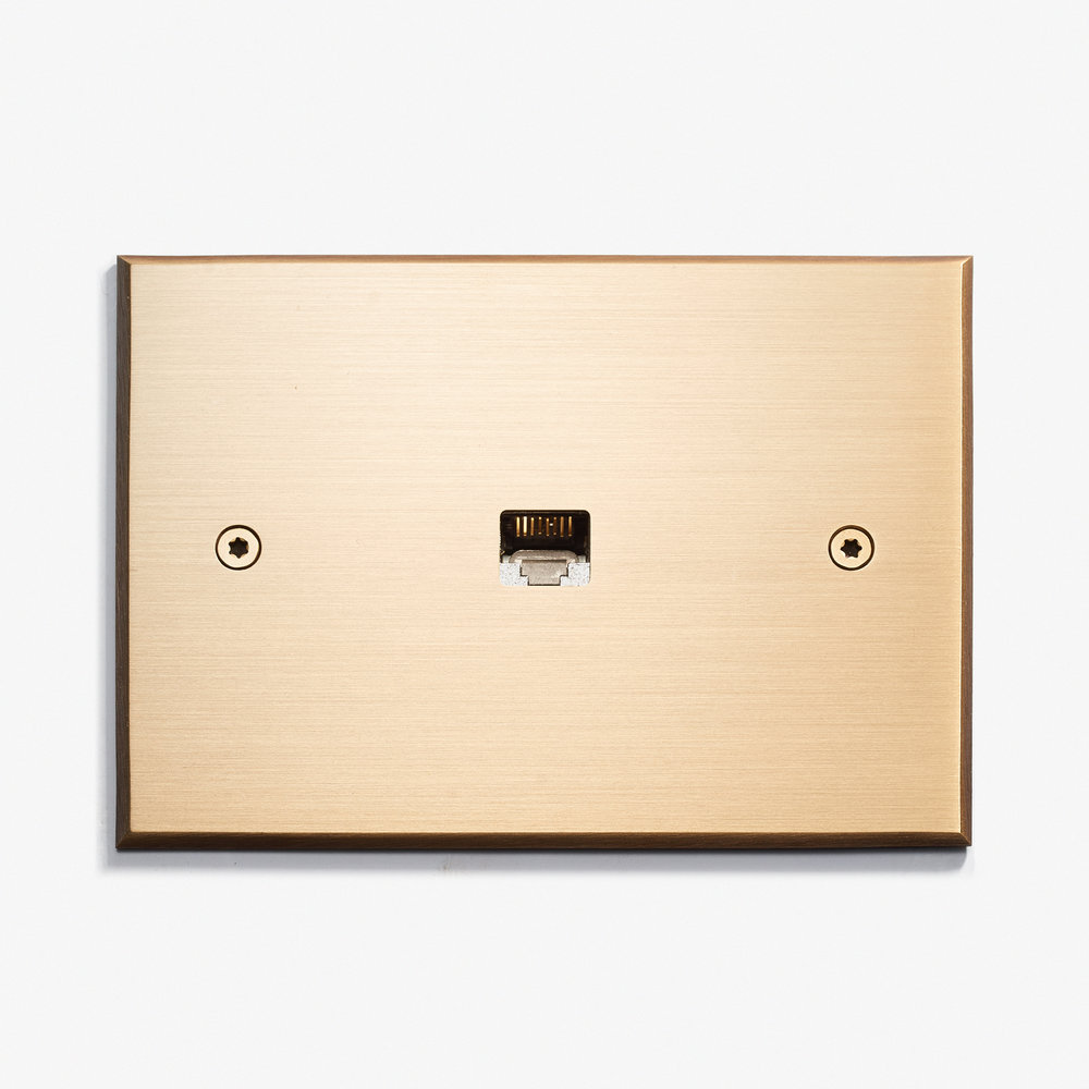 """1 RJ45 - Visible Screws<a href=""""/117-x-82-1-rj45-visible-screws-bronze-medaille-clair""""></a><strong>Bronze Medaille Clair</strong>"""