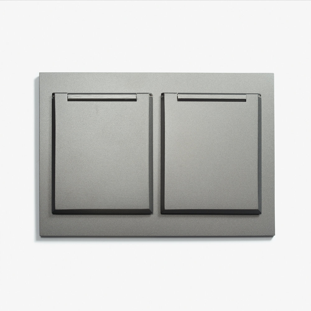"Duplex Outlet - Covers - Straight Edge <a href=""/117-x-82-double-outlet-covers-straight-edge-microbille-canon-de-fusil-anthracite""></a><strong>Microbillé Canon de Fusil Anthracite</strong>"