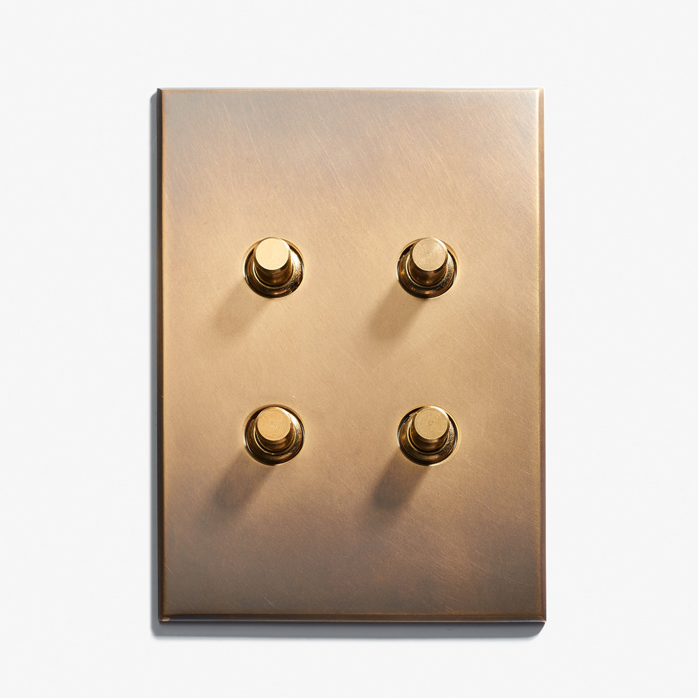 """4 BP - Hidden Screws<a href=""""/117-x-82-2-inv-hidden-screws-dore-patine""""></a><strong>Antique Brass</strong>"""