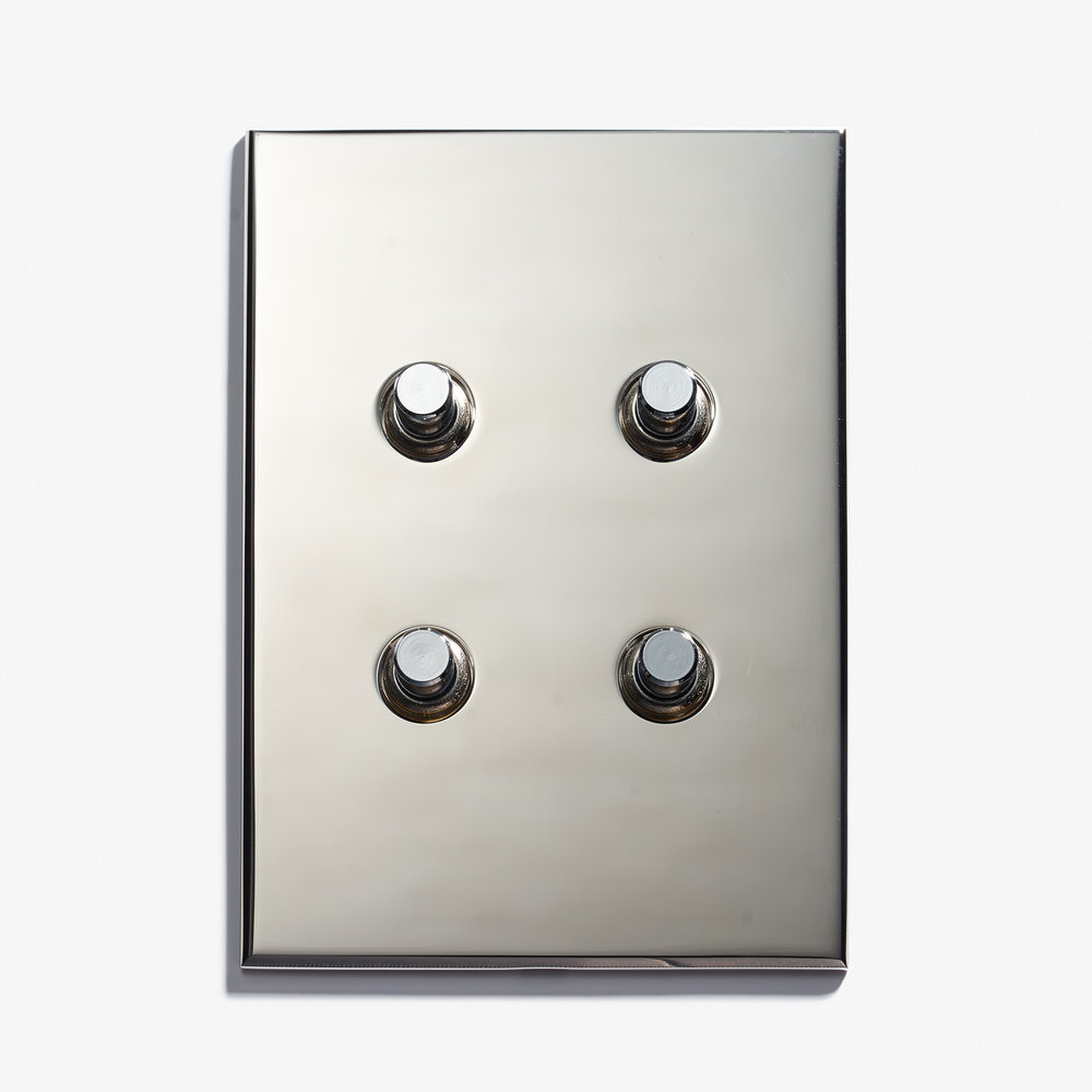 "4 BP - Hidden Screws<a href=""/117-x-82-2-inv-hidden-screws-dore-patine""></a><strong>Nickel Brillant</strong>"