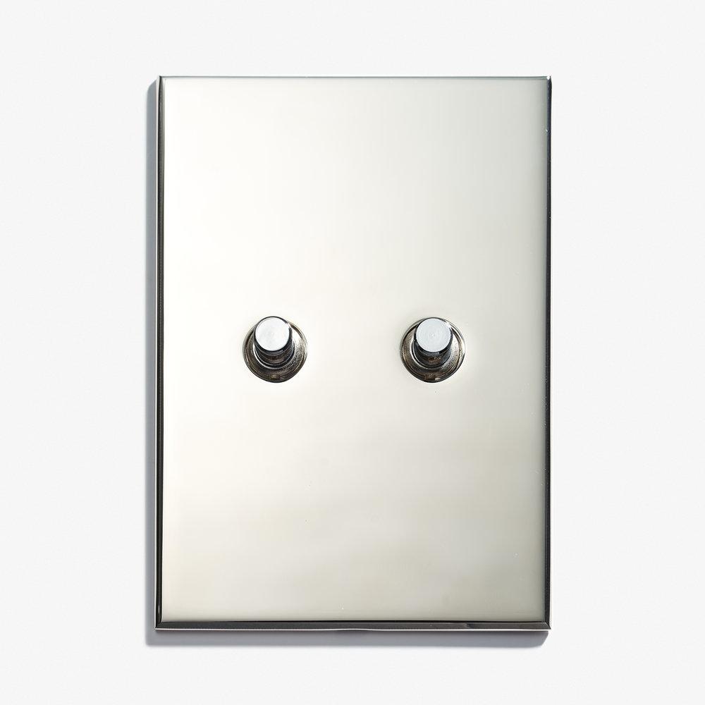 "2 BP - Hidden Screws<a href=""/117-x-82-2-inv-hidden-screws-dore-patine""></a><strong>Nickel Brillant</strong>"
