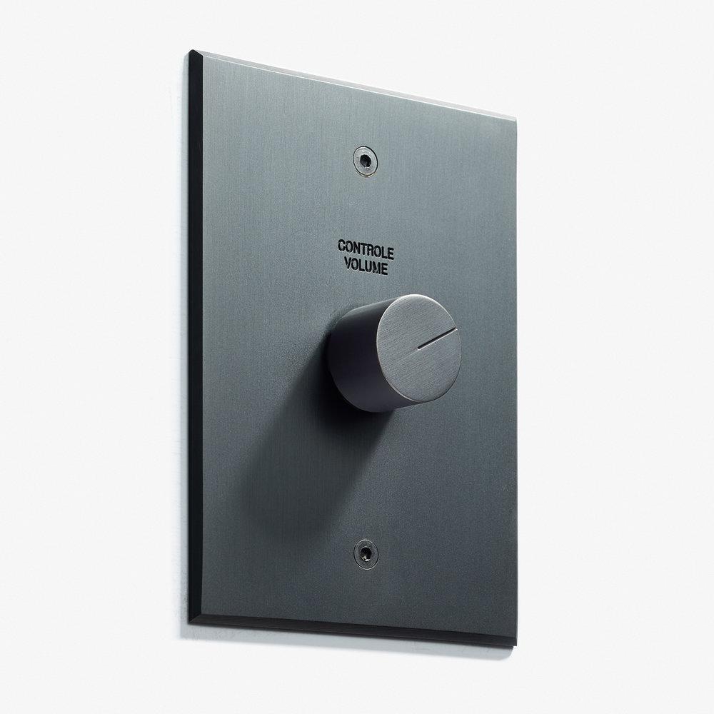 82 x 117 - 1 Volume Control + Engravins - Visible Screws - Beveled Edge - Black Stone 2     .jpg