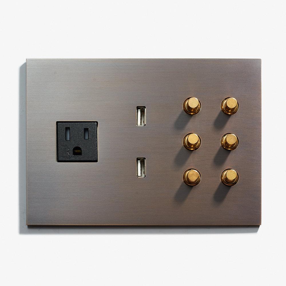 162 x 117 - 1 Outlet + 2 USB +6 BP - Hidden Screws - Straight Edge - Bronze Medaille Fonce Mat 1  .jpg