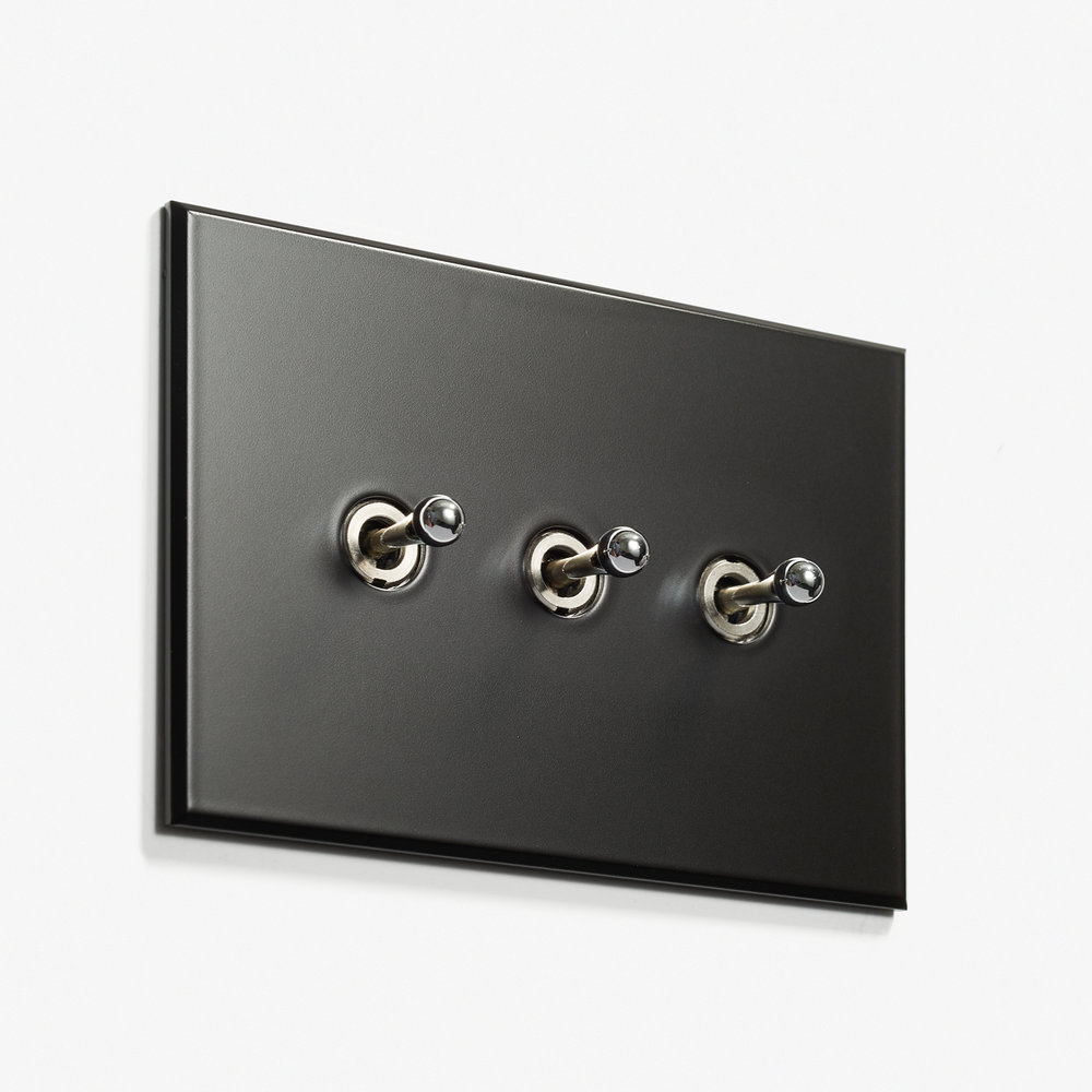 117 x 82 - 3 INV - Hidden Screws - Nickel Noire Mat 2.jpg