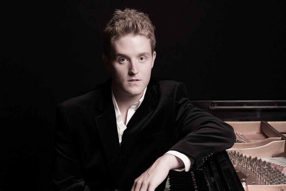 Nicholas-Dold-pianist-headshot