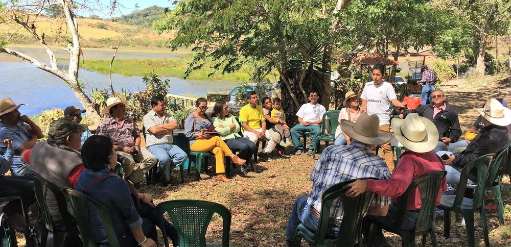 A New PSE Group in Moyuta meeting in a coffee plantation 1.09.2018.jpg