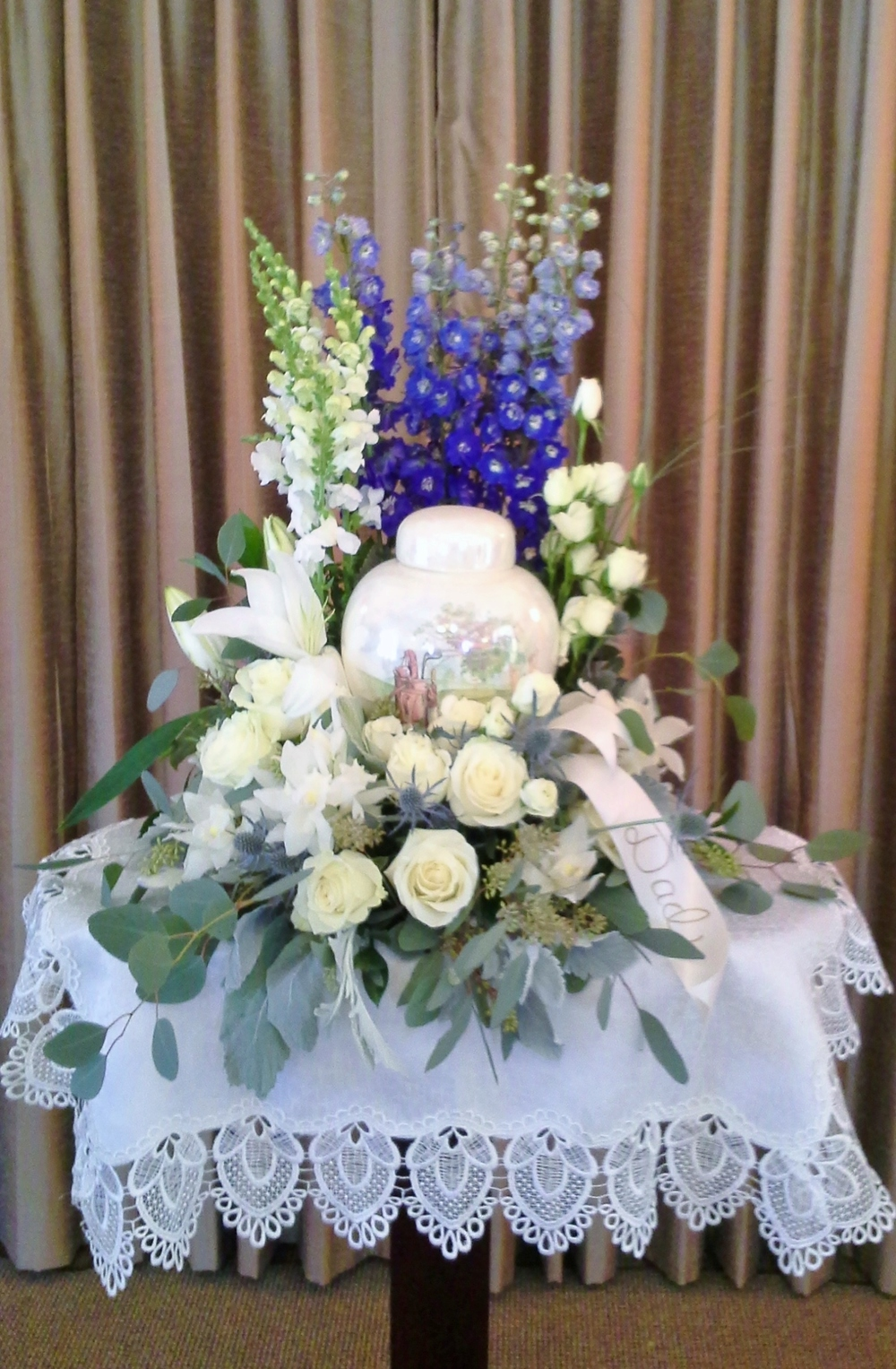 F30 $200-$250 Cremation urn wreath