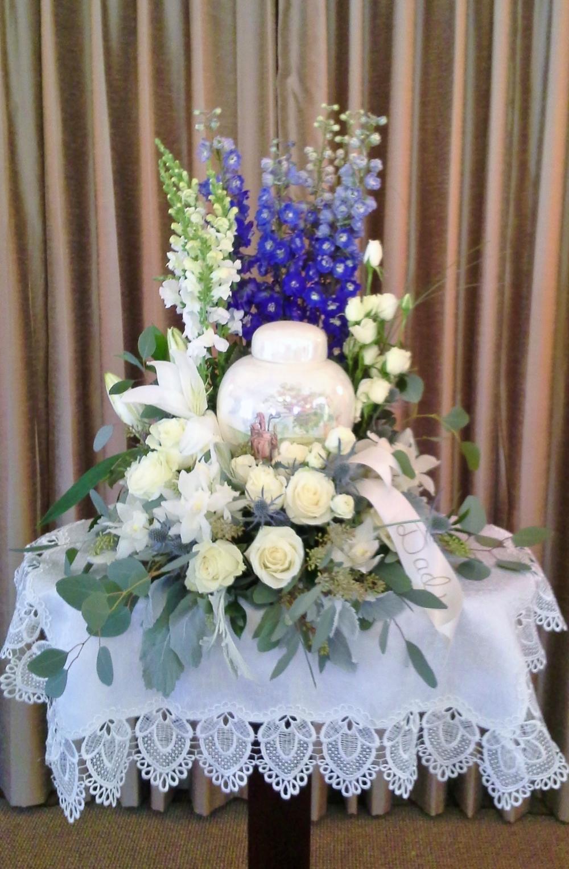 F31 $200-$250 Cremation urn wreath