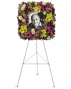 F21   $200 Square wreath