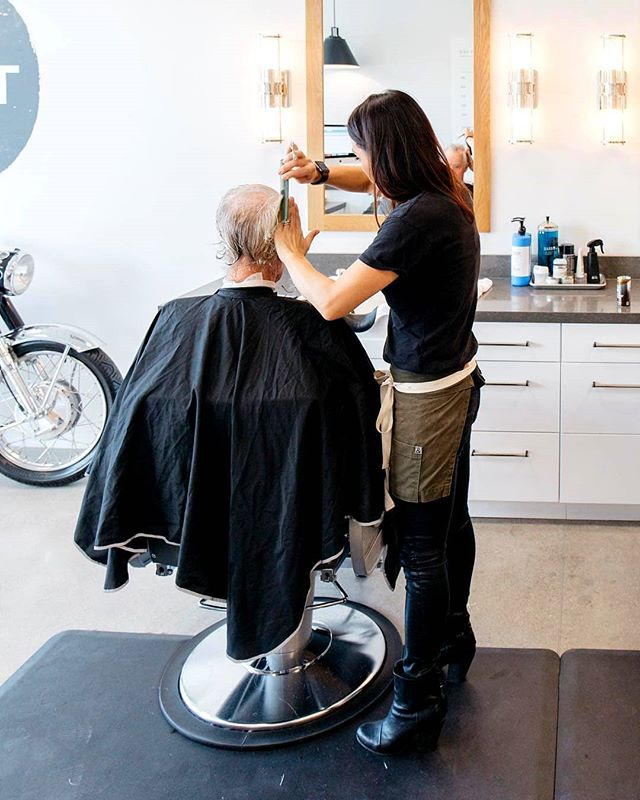 Want to get #KEMPTAF?! 💇‍♂️ @kempt_menshair specializes in men's haircuts, and it's just a place to sit back, relax, and get a really good haircut. No frills! 📷 @harborfamilychiropratic 💇‍♂️ #KemptMensHair #TRADEIrvine #Foodhall
