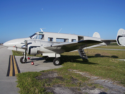 Beechcraft-BE18-N26493.png