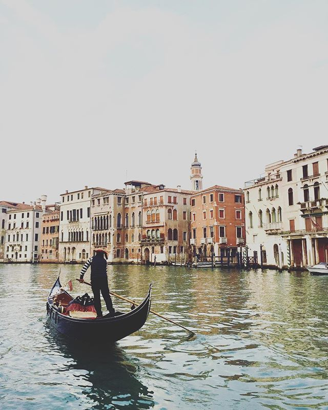 What Venetian dreams are made of #visititalia #travel #venezia #italy #neverstopexploring #vabene