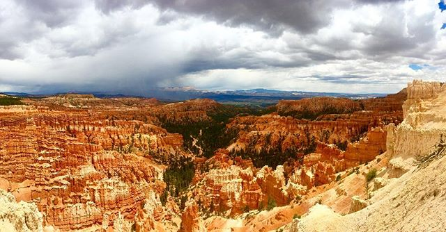 Nature sure is neato #beautahful #lifeelevated #mighty5 #nationalpark #optoutside #neverstopexploring #brycecanyon #hoodoos