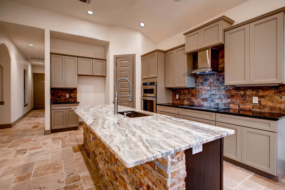 307 Highlander Court-print-012-1-Kitchen-2700x1800-300dpi.jpg