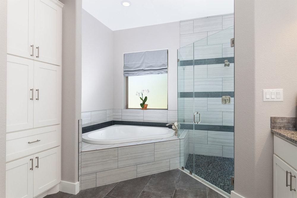 home-4317-miramar-78628-master-bath02.jpg