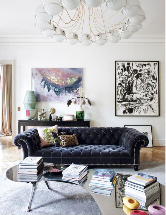 velvet-sofa-in-dark-blue-via-Elle-Decor-Espana.jpg