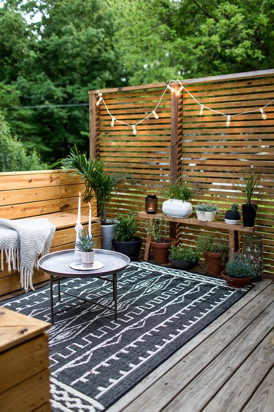Boho Rug Back Patio Lounge