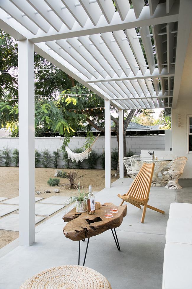 Neutral Back Yard Lounge
