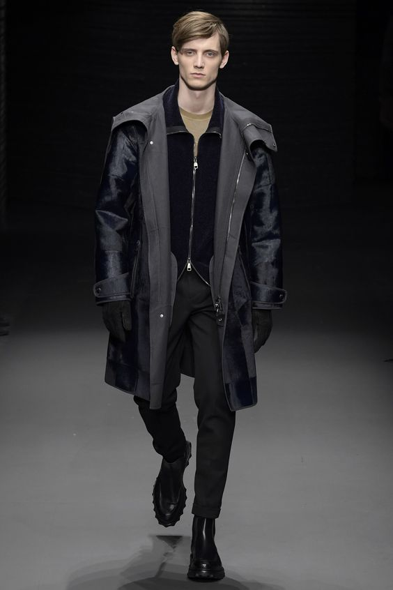 Salvatore Ferragamo Black Runway Trend 2017
