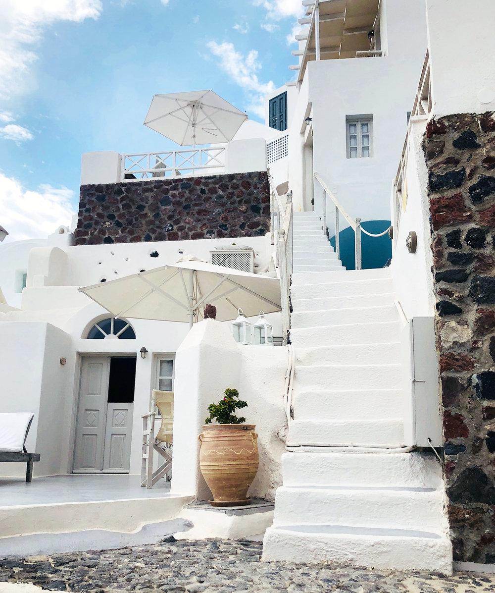 Oia Mare Villas Santorini // Eclectic Prodigy