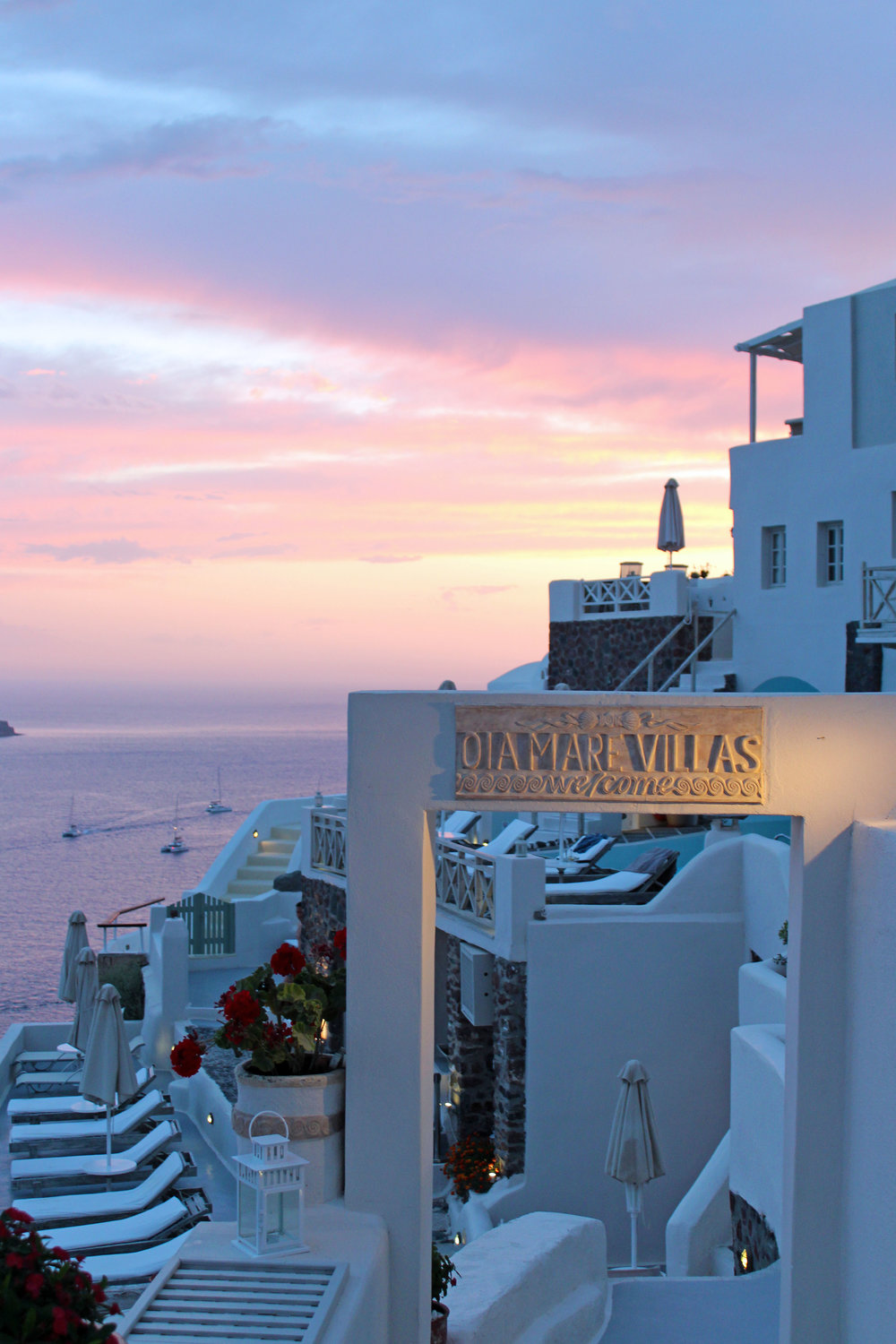 location is key... - Located at the furthest tip of Oia, the most desired location for sunsets on Santorini, Oia Mare Villas proved to be a spectacular choice for a personal view of lil' baby Jesus working his magic.