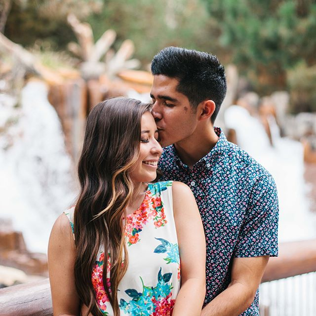 Katelyn + Christian // Engagement Photos // Hart Park & California Adventure // Save the date 02.18.18. One more month! 🙂 #amgweddings #amg #EngagmentPhotography #engagment #engagementphotos #AthertonMediaGroup #vsco #vscocam #kodakportra400 @katelyn_martinez #canon5dmII