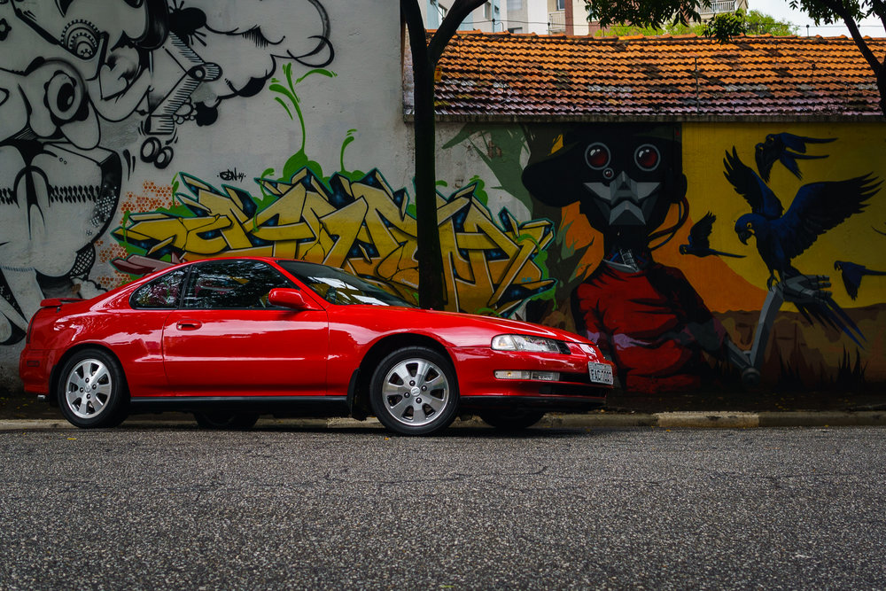 Honda Prelude in front of Graffiti