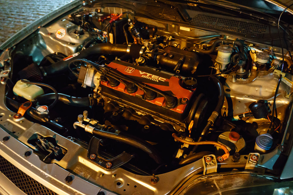 Under hood Civic with VTEC head swap